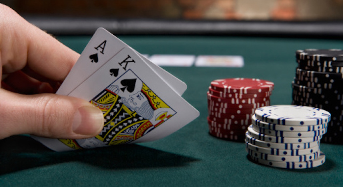 Adopt best strategies for playing oasis poker correctly